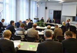 Оппозиция в горсобрании Нарвы инициировала вотум недоверия Александру Ефимову
