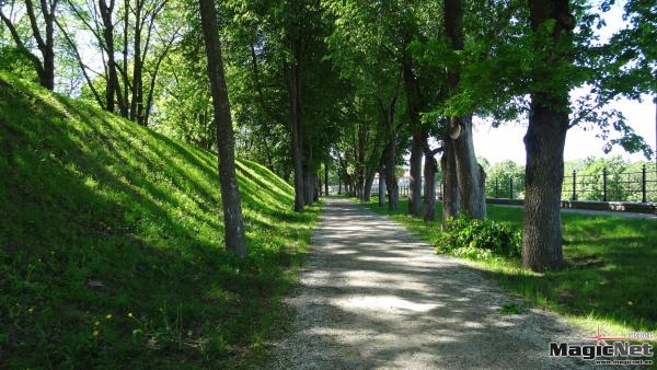 Реконструкцию Темного сада в Нарве завершит тартуская фирма Sinear