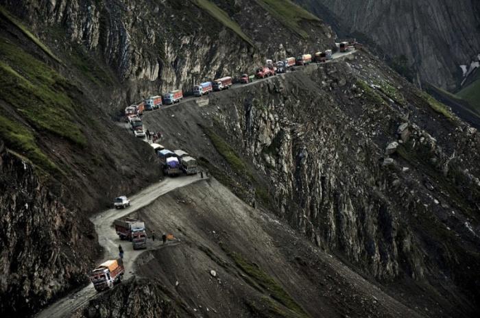 Опасная индийская дорога