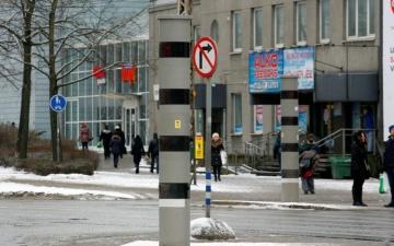 На перекрестке Кристийне в Таллинне камеры будут фиксировать любителей проскочить на желтый