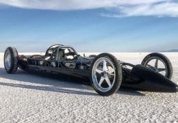 Электрический болид с двумя моторами Tesla установил рекорд скорости на соляном озере