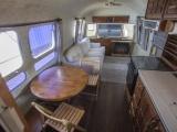 Дом на колесах, на котором Том Хэнкс ездил по съемкам, отправляется на аукцион