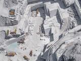 Как происходит добыча Каррарского мрамора на аэроснимках Бернхарда Ланга