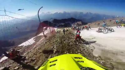 Сумасшедший заезд на велосипедах по леднику