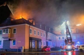 В Германии толпа радовалась пожару в гостинице для мигрантов