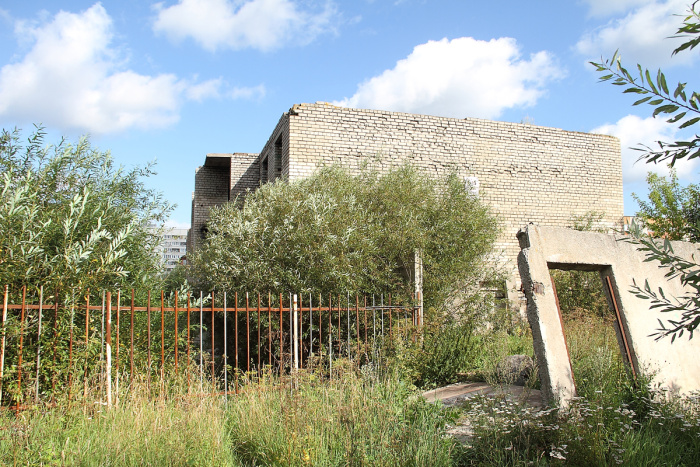 Руины на Кангеласте должны пойти под снос, когда зарядят осенние дожди