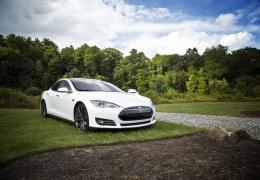 Tesla возобновила производство в Шанхае, несмотря на коронавирус