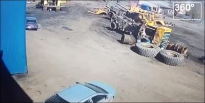Взрыв колеса от Белаза