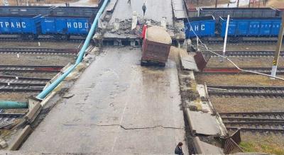 В Приамурье на Транссиб рухнул автомобильный мост