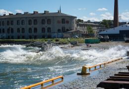 На Эстонию обрушатся мощные волны: сообщение с островами уже нарушено