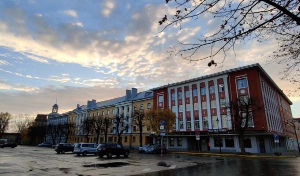 Выборы мэра Нарвы вновь откладываются