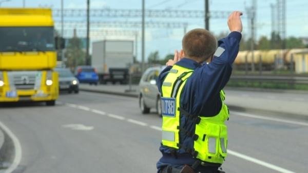 """Для задержания сбежавших из арестантского дома в Нарве был введен план """"Перехват"""""""