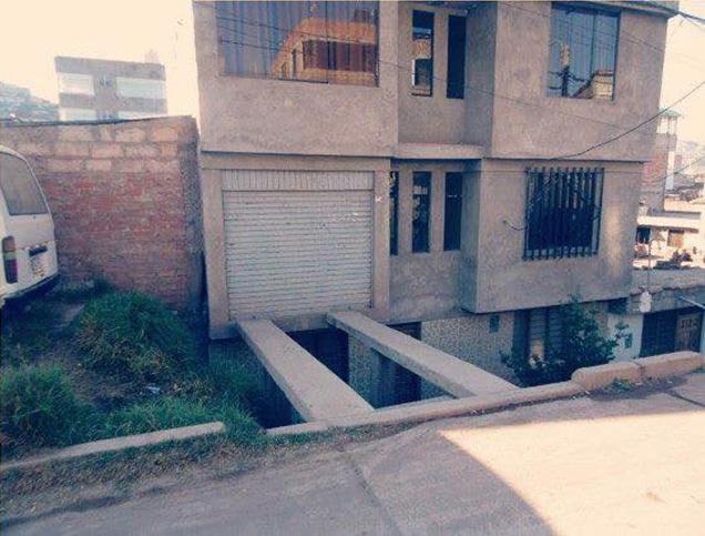 Гений архитектуры построил дом с гаражом на втором этаже