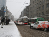 ФОТО: на площади Вабадузе в Таллинне трамвай сошел с путей
