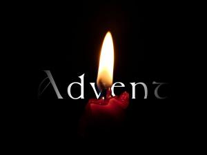30-го ноября на Петровской площади  массовым мероприятием «Зажжение свечи I-го Адвента».