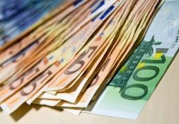 Налоговики бьют тревогу: суммы зарплат в конверте растут
