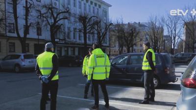 В Нарве улицы патрулируют служба правопорядка управы и добровольцы