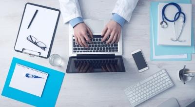 Споры о больничном: работодатели и профсоюзы видят проблемы в предложении семейных врачей
