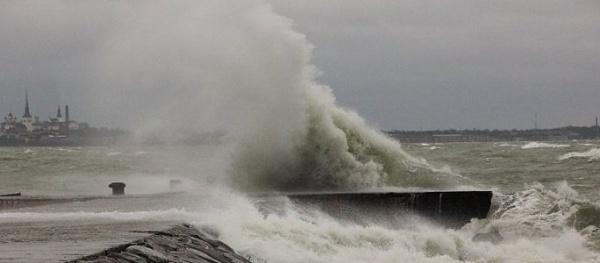 В Балтийском море ожидаются волны до четырех метров в высоту