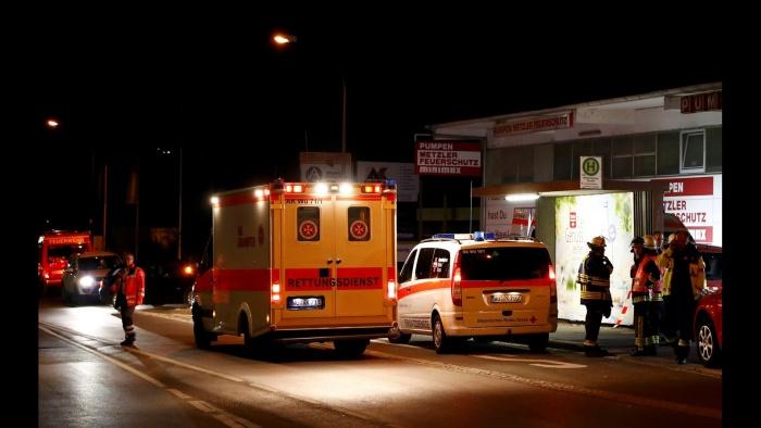 ФОТО: в Германии 17-летний беженец напал на пассажиров поезда с топором