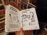 Чего только не увидишь в книжном магазине