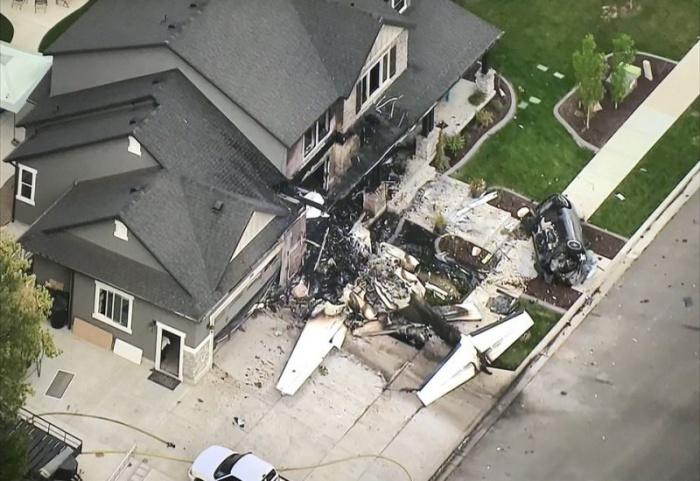Американец протаранил самолетом свой дом, чтобы отомстить жене