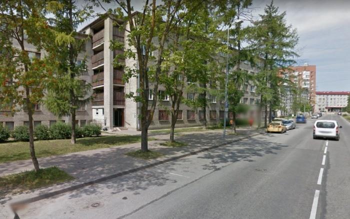 В Нарве возле общежития нашли труп женщины с признаками насилия