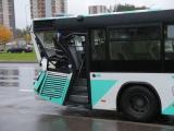 в Ласнамяэ броневик Сил обороны столкнулся с автобусом
