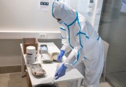 Таллиннские больницы закрывают отделения для больных с COVID-19