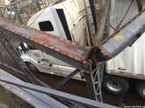 Дамочка за рулем фуры уничтожила исторический мост