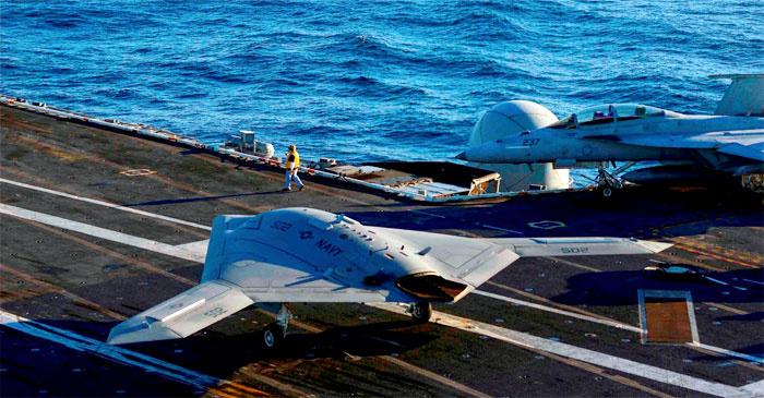 У ВМС США появятся беспилотники-истребители и заправщики