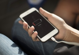 Евросоюз планирует переход к единому порту для зарядки смартфонов