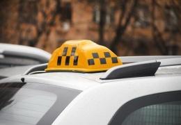Таксист приехал на вызов грабивших его дом мужчин
