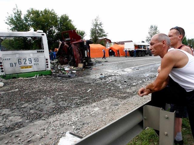 """""""КамАЗ"""", протаранивший автобус, был снят с учета, утверждают источники"""
