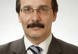 Эльдар Эфендиев отозван из совета Нарвского музея и будет бороться за пост его директора