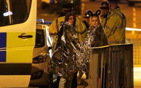 В результате теракта во время концерта в Манчестере погибли не менее 22 человек