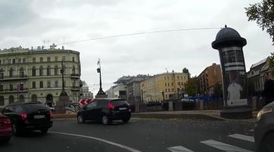 В Петербурге водитель выбросил пешехода в реку