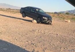 Мужик застрял на машине посреди пустыни в окрестностях Лас-Вегаса