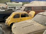 Владелец продаст более 170 классических автомобилей, которые десятилетиями стояли покрытыми пылью в ангаре на севере Лондона