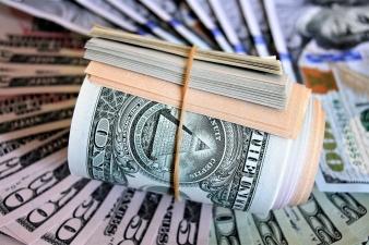 Дефицит бюджета США вырос до уровня 2012 года