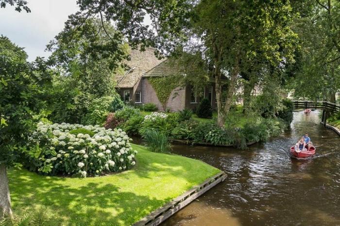 На «машине времени» - в райский уголок Нидерландов