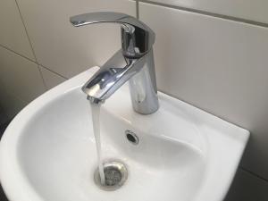 Жители Нарвы и Нарва-Йыэсуу могут получить дотацию на подключение к водопроводу