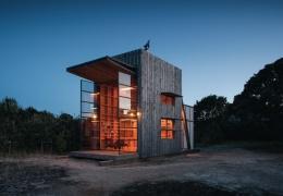 Необычный дом на пляже в Новой Зеландии