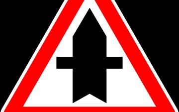 В Нарве на трех перекрестках изменят порядок движения