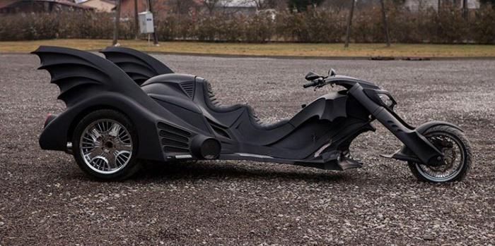 Трехколесный мотоцикл Бэтмена от польских мастеров