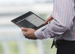 Нарвских депутатов снабдят планшетами, планируется и введение э-голосования