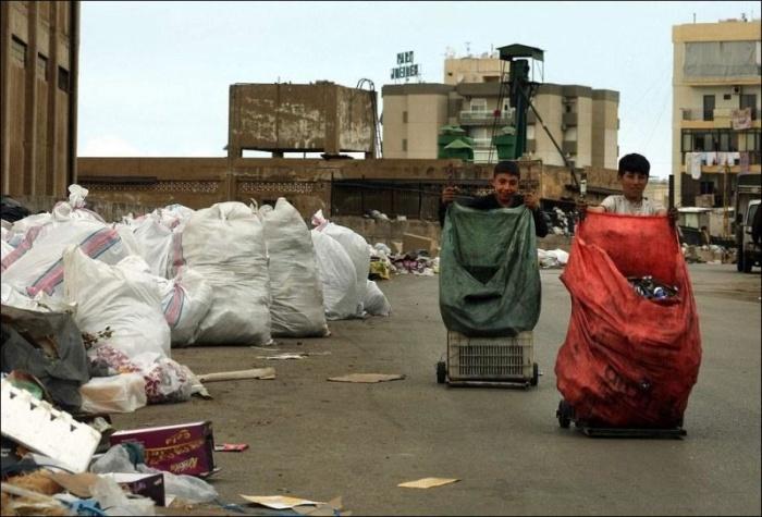 """""""Река мусора"""" в Бейруте"""
