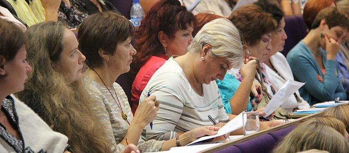 Министр образования пообещал учителям рост зарплат