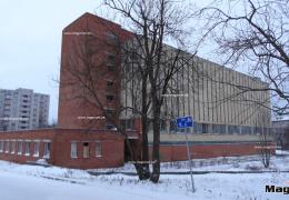 В центре Нарвы снесут пустующее здание бывшей телефонной станции