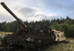 Танк M1A2 Abrams принял шведскую «грязевую ванну»